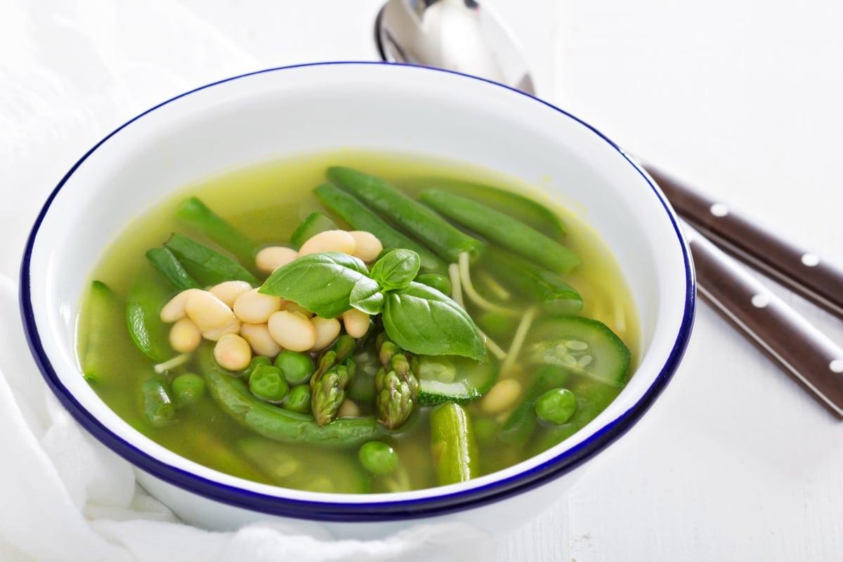 Bouillon met groene groenten